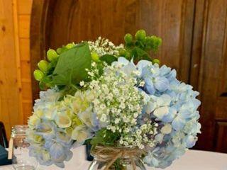 Dale's Designs & Florals 2