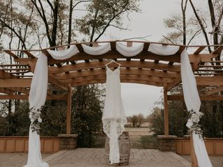 Raffiné Bridal & Formal Wear 3