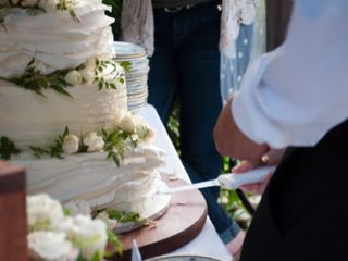 Sweet Promises Wedding Cakes 4