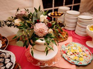 Tres Belle Cakes 1
