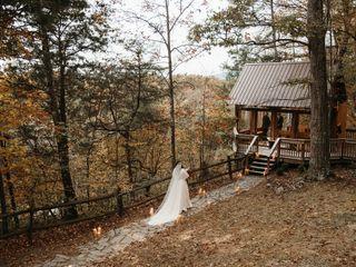 Nolichuckey Bluffs Bed & Breakfast Cabins & Wedding Venue 4
