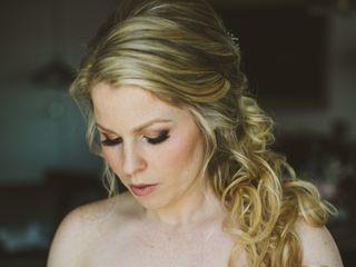 Olivia Hawthorne Beauty 1