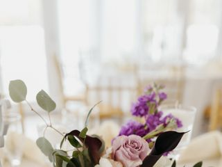 Mable's Tables Flowers 1