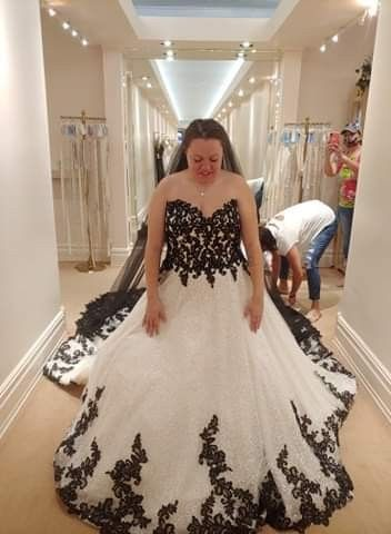 i said yes to the dress last week and i can't stop looking back at my pics of it lol what do you guys think :) 1