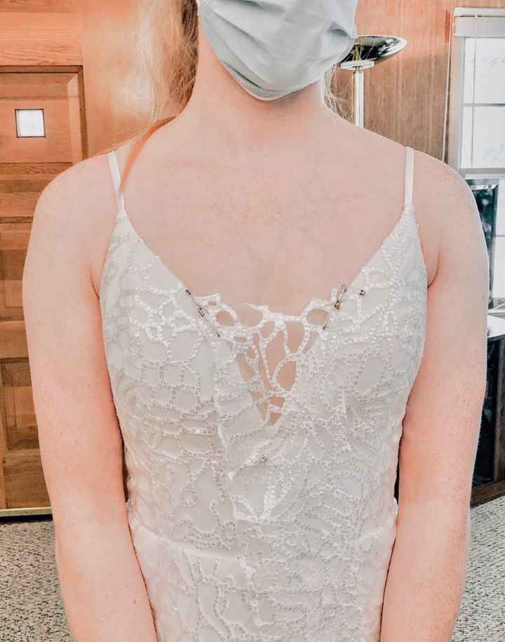 How should i fill in the neckline? - 1