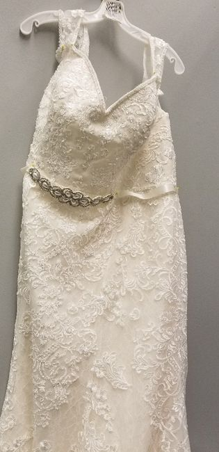 Help me add sparkle/shimmer to a lace dress? 2