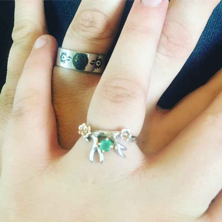 His engagement ring finally came in!!!