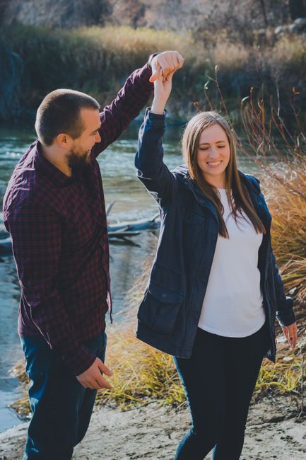 Engagement photos: fall outfits- show me your pictures! 12