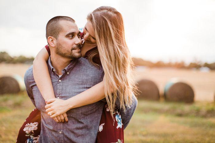 Show off your fiancé 7