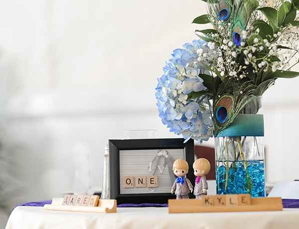 Does anybody DYI wedding flower center pieces?