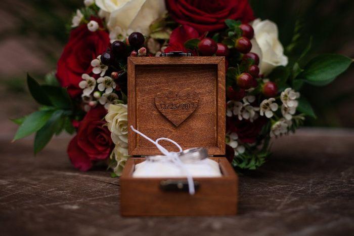 Which Winter Wedding Bouquet? 10