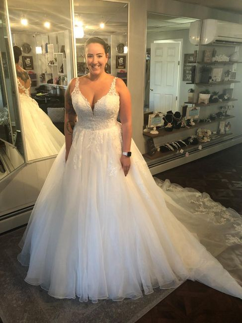Where is the best place to sell wedding dresses? 6