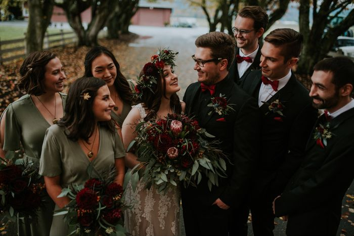 What does your bridesmaids dresses look like? 2