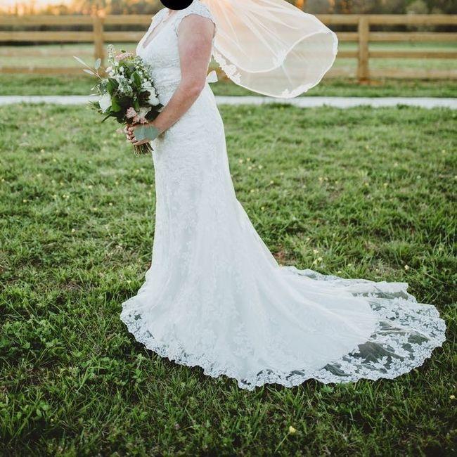 I wanna see your wedding dress!