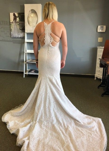 Show me your venue and dress! 17