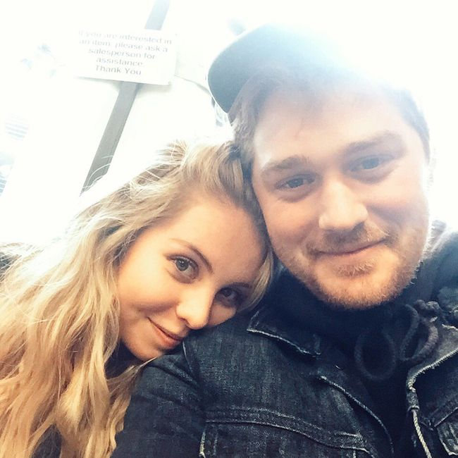 Post your first selfie as a couple! 8