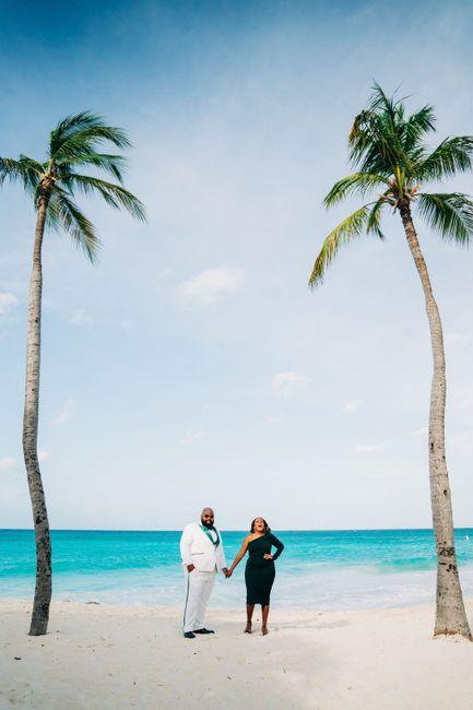 Engagement photo drop! 📸 29