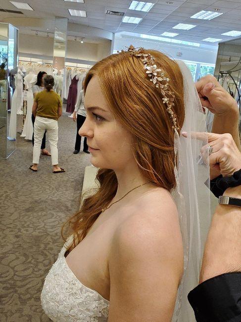 Bodysuits or strapless bra? 6