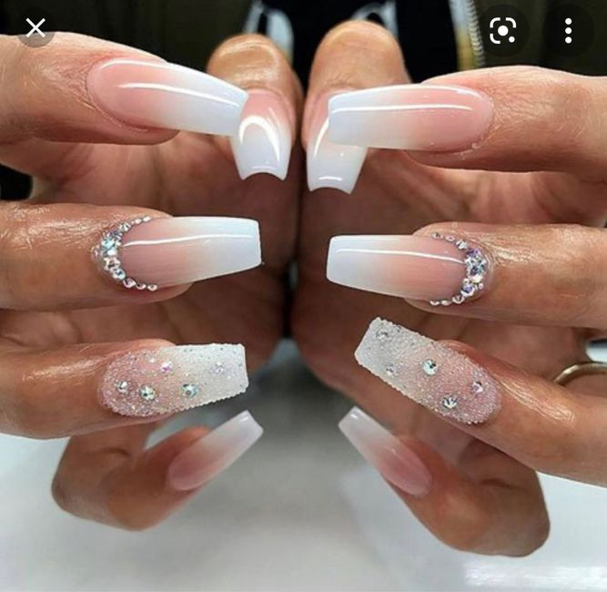 Where And When To Get Nails Done? - 1