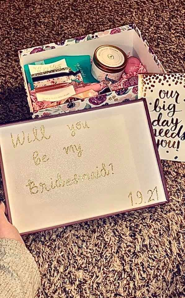 What should i add to the bridesmaid proposal boxes? - 1