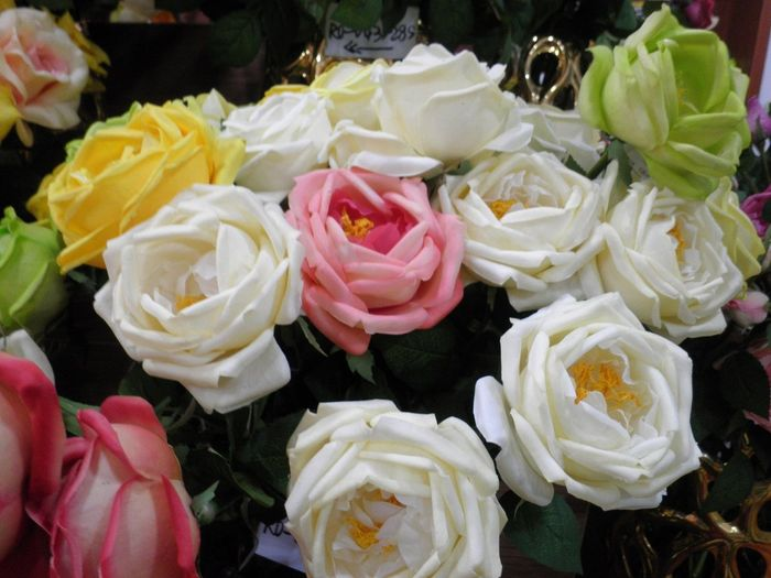 Does anyone know where i can buy real touch roses wholesale httpdongdeplastic they are manufacturer mightylinksfo