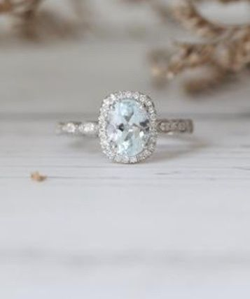 Does your engagement ring color mean anything? 8
