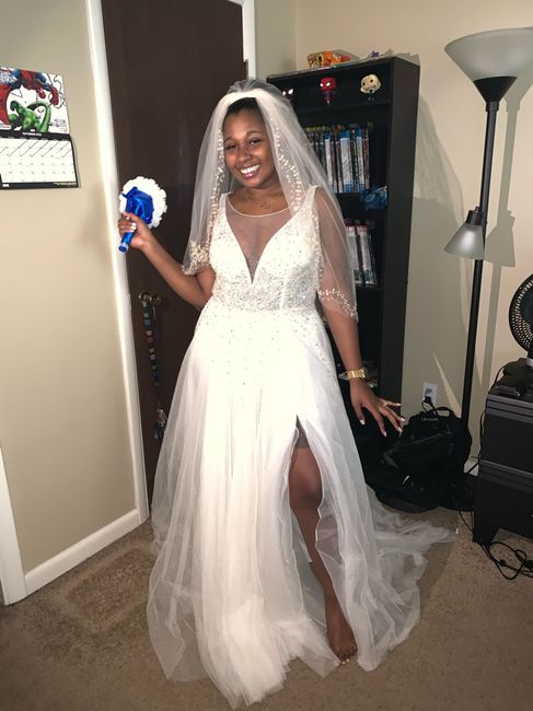 Ivory dress with champagne veil 2