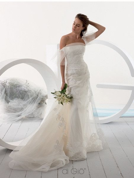 797f8bb4e83 Found my DREAM DRESS but it s too expensive   Help me find a similar one  pleeese!!