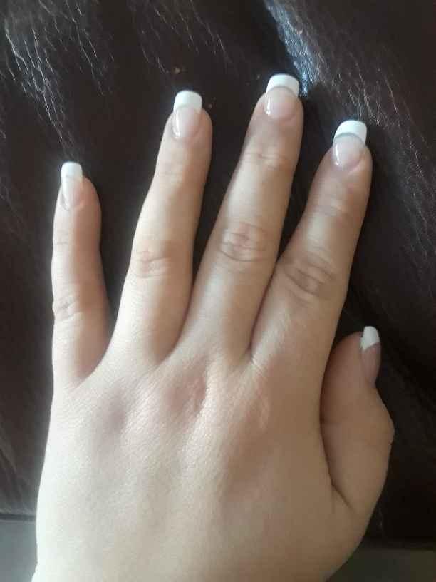 Do i go gel or acrylic nails? - 1