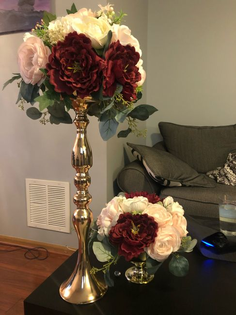 Does it look funny if the centerpieces are different colors? 5