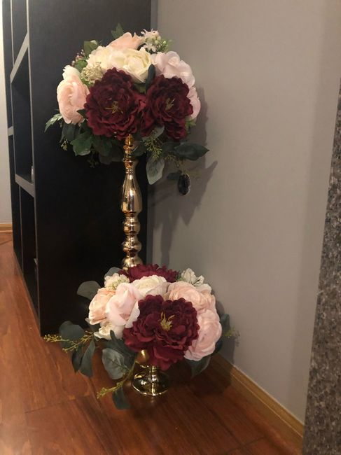 Does it look funny if the centerpieces are different colors? 10