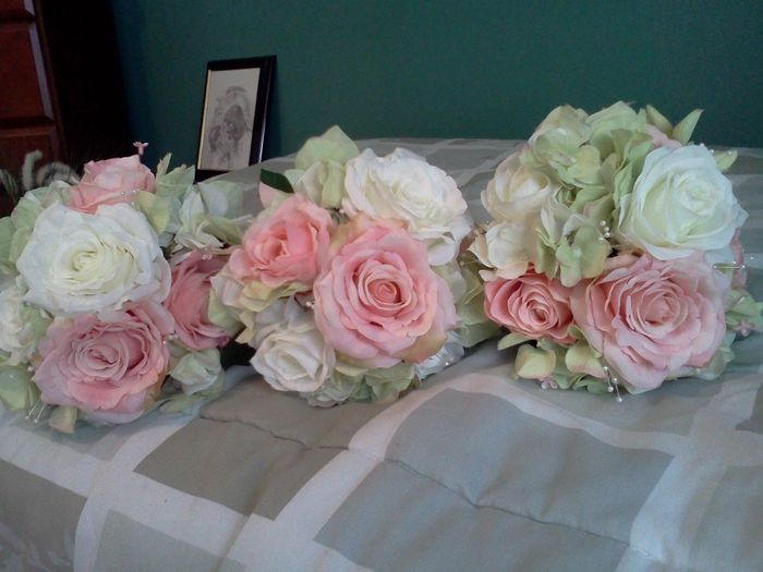 almost done with my bouquets weddings do it yourself wedding forums weddingwire. Black Bedroom Furniture Sets. Home Design Ideas
