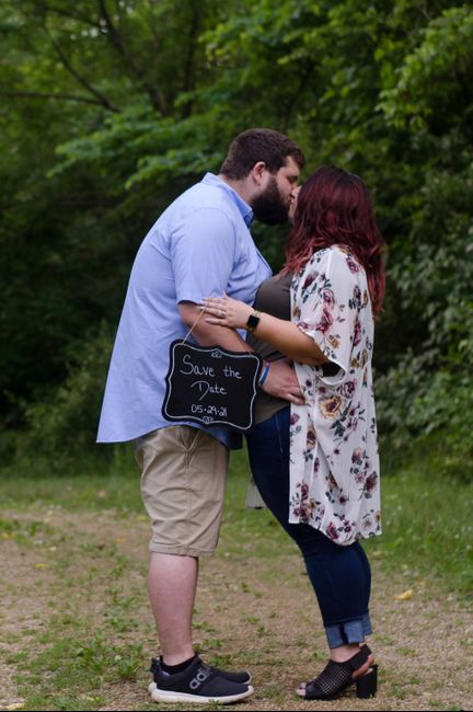 Show off your favorite engagement pictures 7