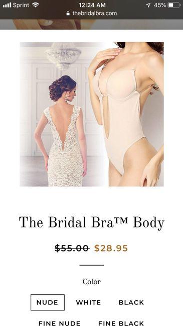 Bodysuits or strapless bra? 3