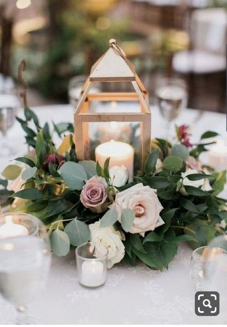 Centerpieces - Matching or Mixing It Up? 3