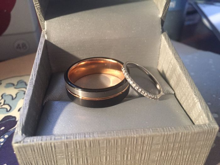 How much was your fiancés ring? Ur mans :) 6