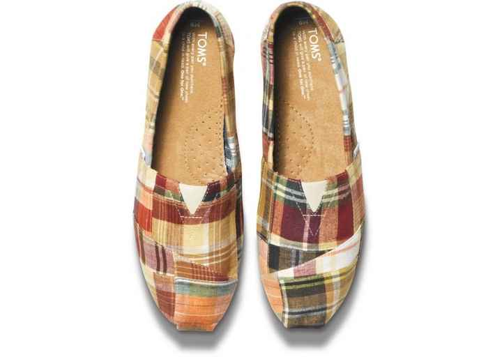 Excited! FH and I just ordered our Toms for the reception. Also, FYI free shipping and referral prog