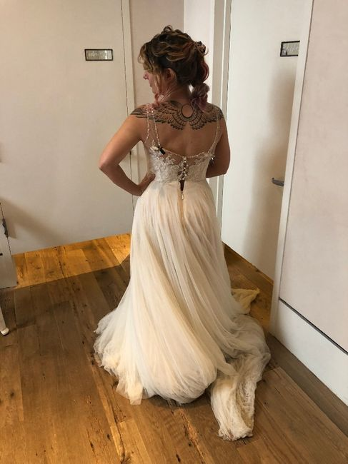 Should i say yes to the dress? 2