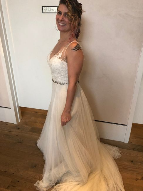 Should i say yes to the dress? 3
