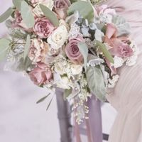 Show & Tell: Your Bridal Bouquet! - 1