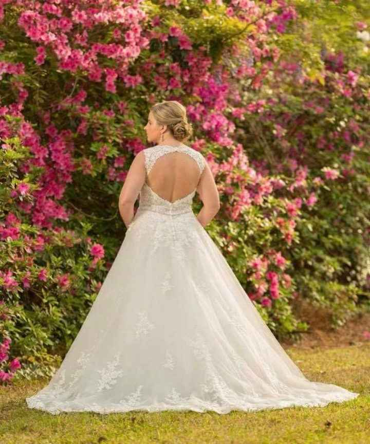 """What is the most important thing when going to try on wedding dresses or deciding on """"the one""""? - 2"""