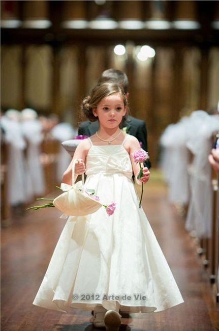 0f8d700c3799 Alternative to Petals for Flower Girls