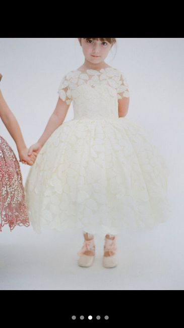 I wanna see your flower girl dresses!!