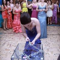 Are you ditching the bouquet toss? - 1