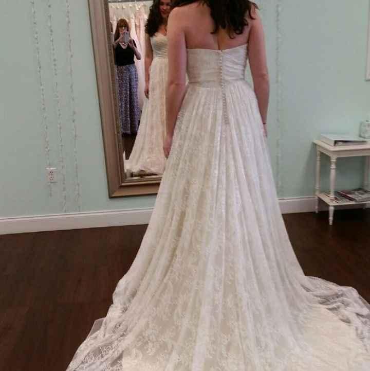 Dress size 14 - Street Size 12. Dress pics??