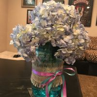 Side mason jar centerpiece with hydrangeas