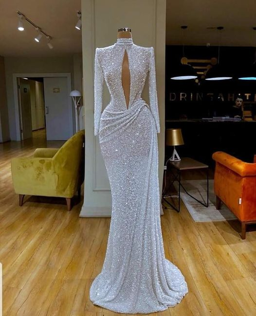 Who is wearing a second dress? If you are show me! 6