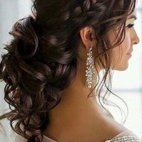 I like this hairstyle