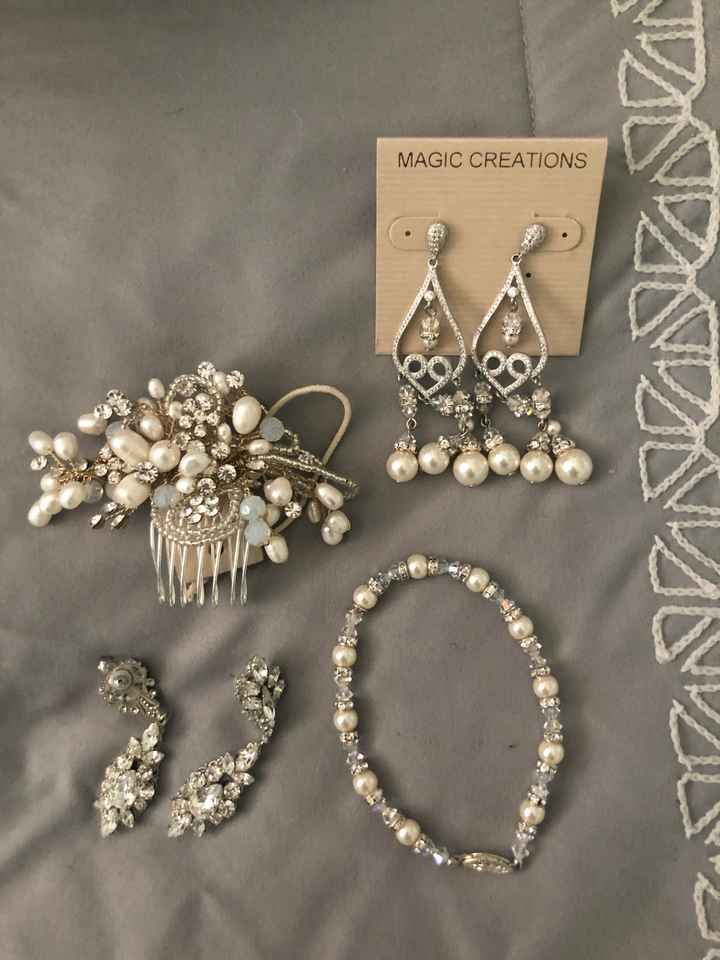 Your hair accessories for the big day - 1