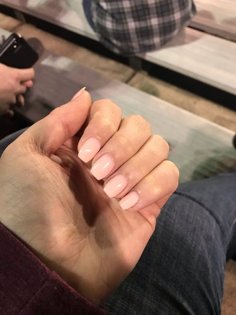 What shape nails? 1